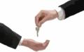Risparmiare acquistando una casa all'asta: due piani d'investimento